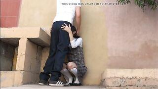 Студентка прогуливает занятия ради быстрого секса во дворе