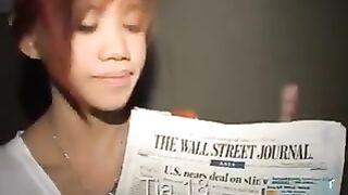 18-ти летняя худенькая тайская Tia касается киски и сосет член парня